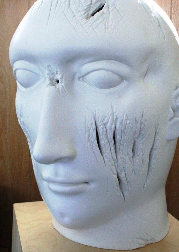 scratch face